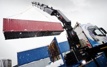 Когда требуются услуги манипулятора грузоподъемностью в 14 тонн?