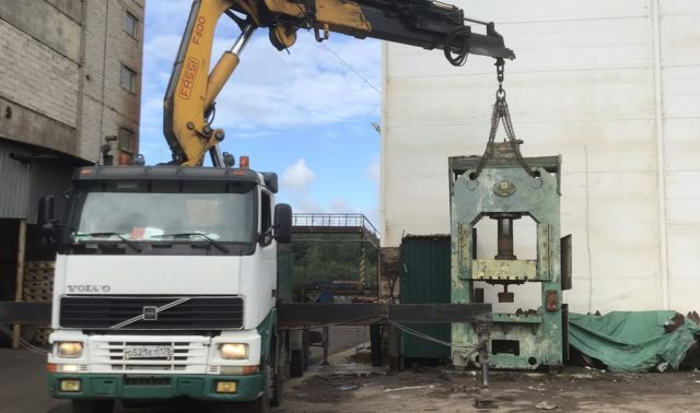 Доставка и установка пресса весом 11 тонн